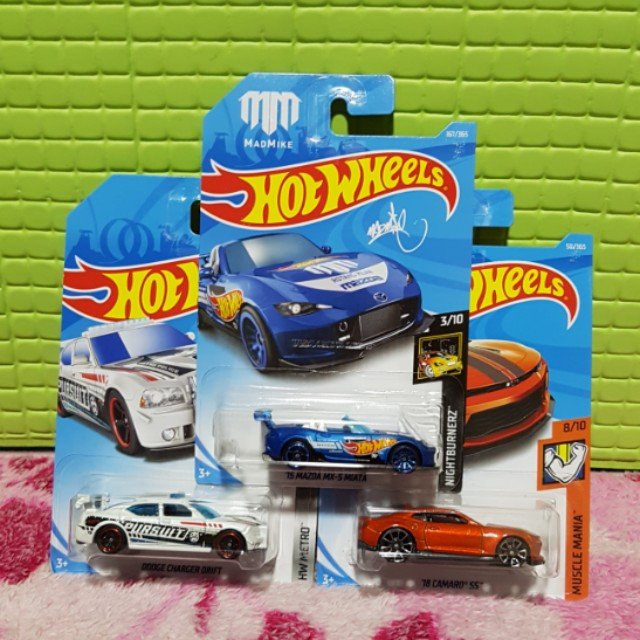 Hot Wheels 2018  Set Of 3 Camaro, Mazda Miata, Dodge Charger Drift