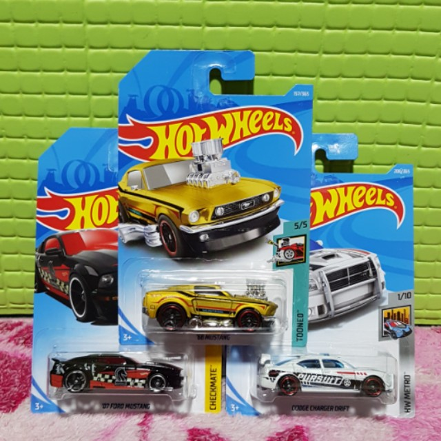 Hot Wheels 2018 Set of 3 Cars