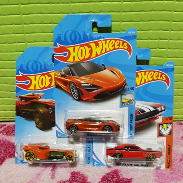 Hot Wheels 2018 Set of 3 cars McLaren 720s