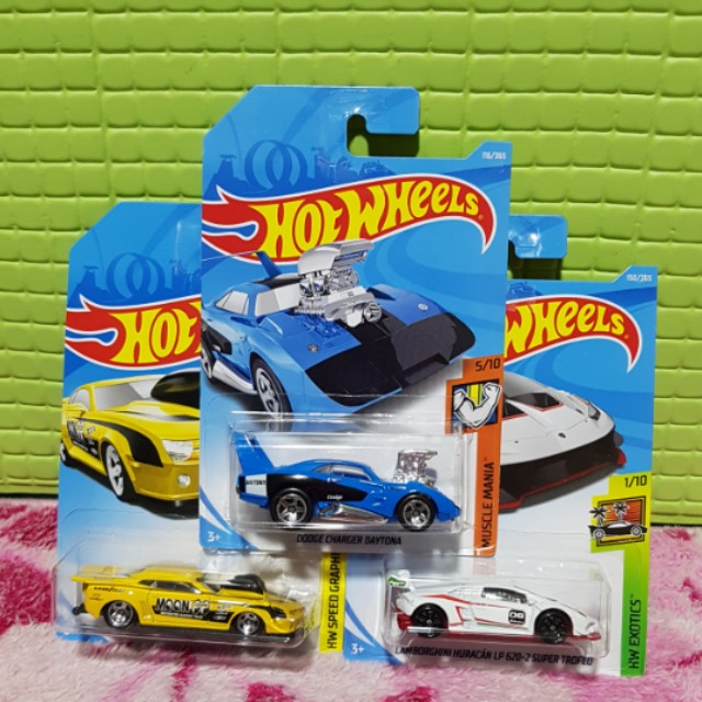 Hot Wheels 2018 Set of 3 Lamborghini, Camaro &Dodge Charger