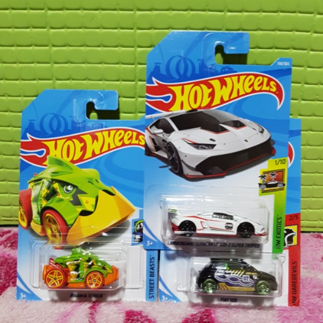 Hot Wheels 2018 Set of 3 Lamborghini, Fiat 500C & Piranha