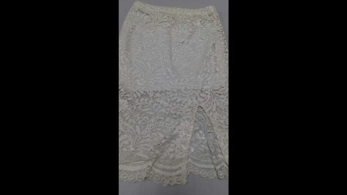 Lace white skirt