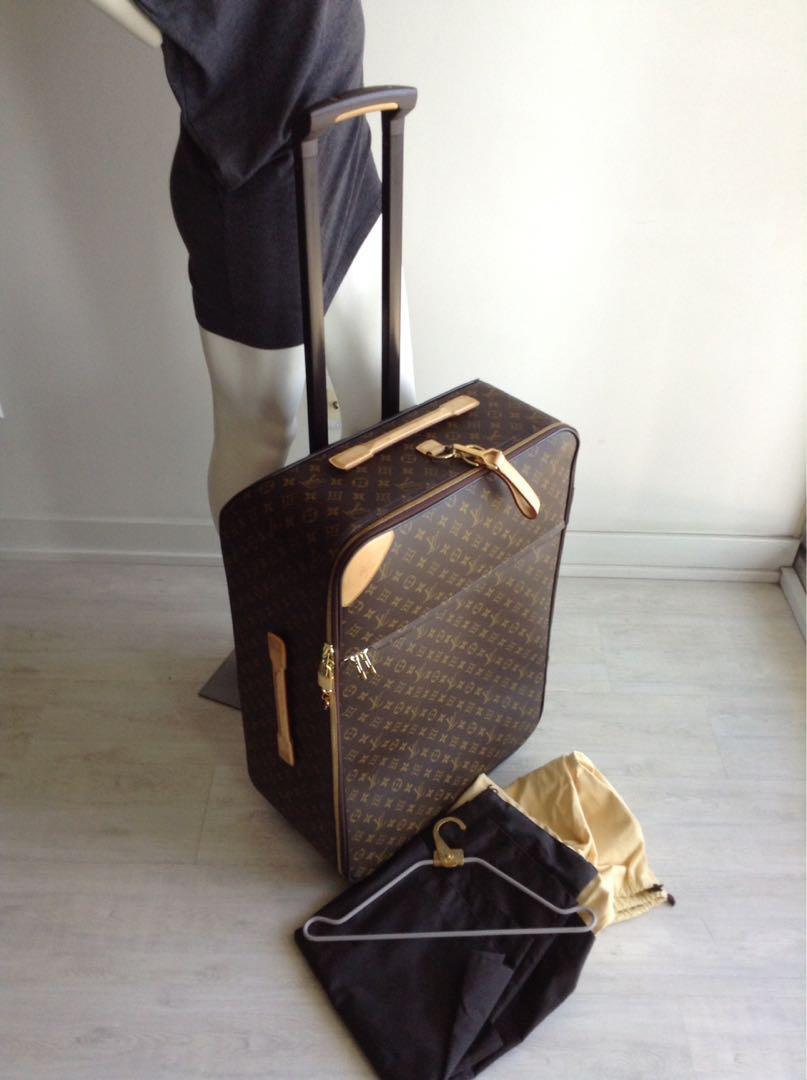 Louis Vuitton 70 Pegase