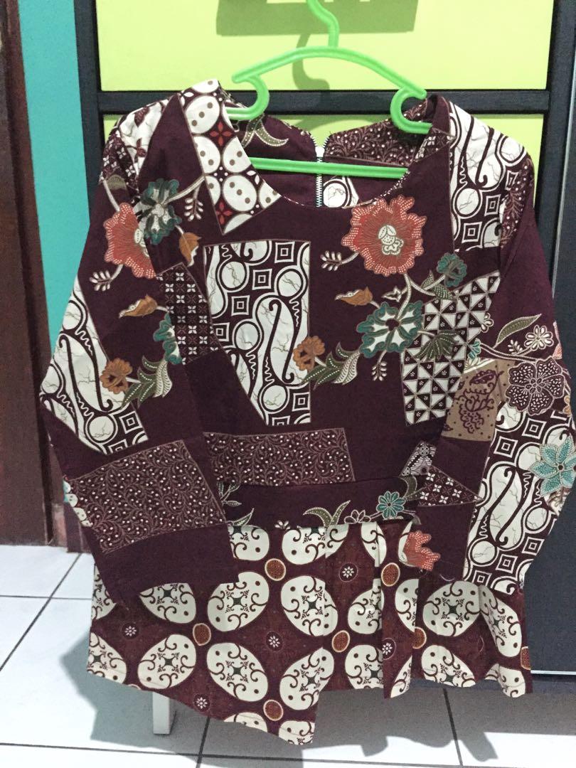 Maroon batik