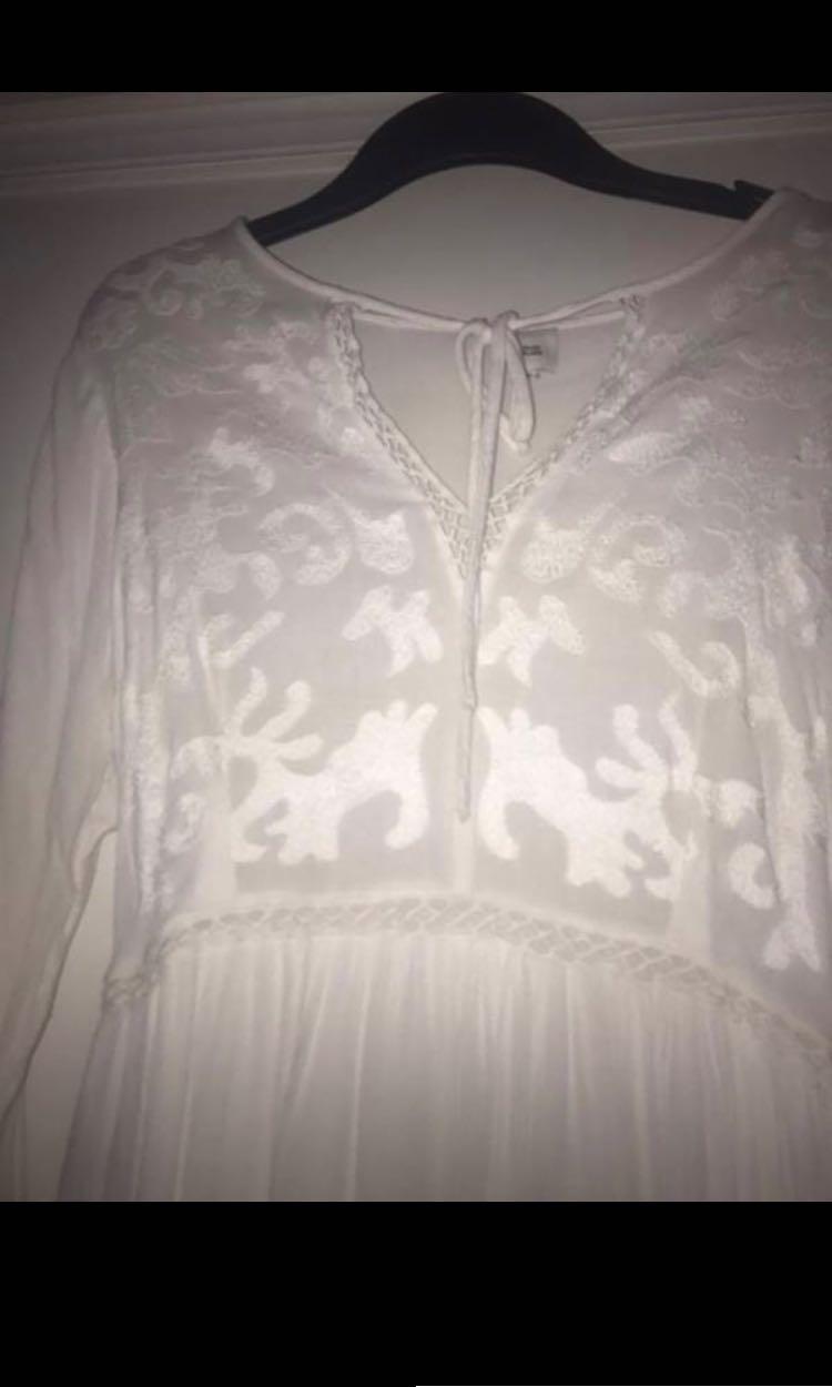 River Island white floaty sleeve Lace up dress 12