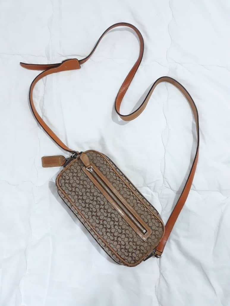 2135897d5e0 Sling Bag, Women s Fashion, Bags   Wallets on Carousell