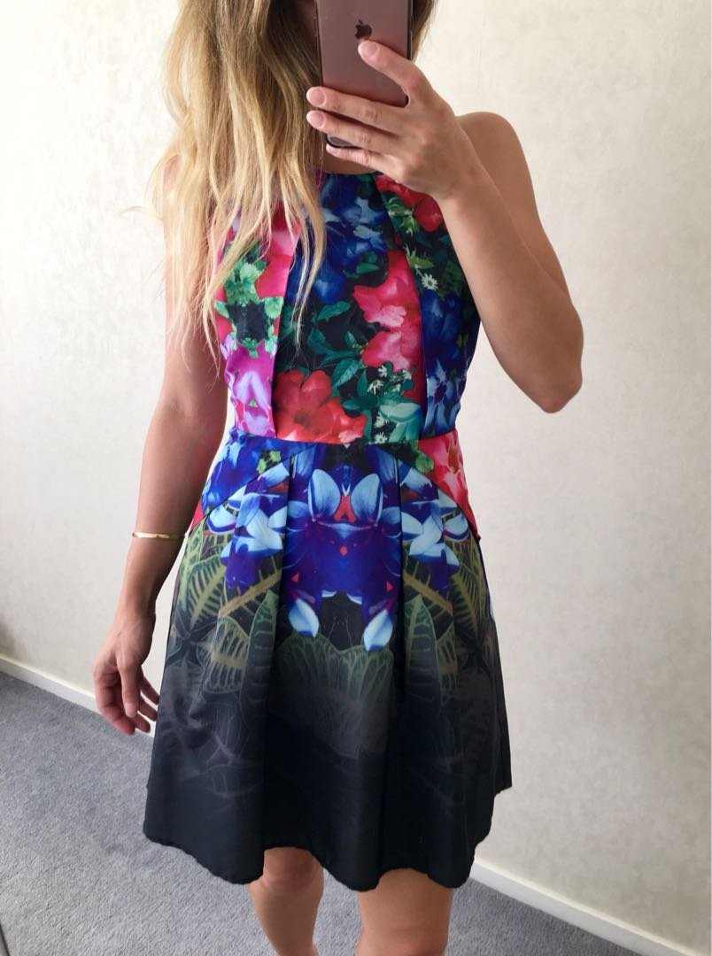 STUNNING DRESS MIRROR IMAGE FLORAL