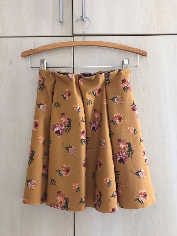 d66d99607e02 ZARA Floral Skirt with elastic waist band, Women's Fashion, Clothes ...