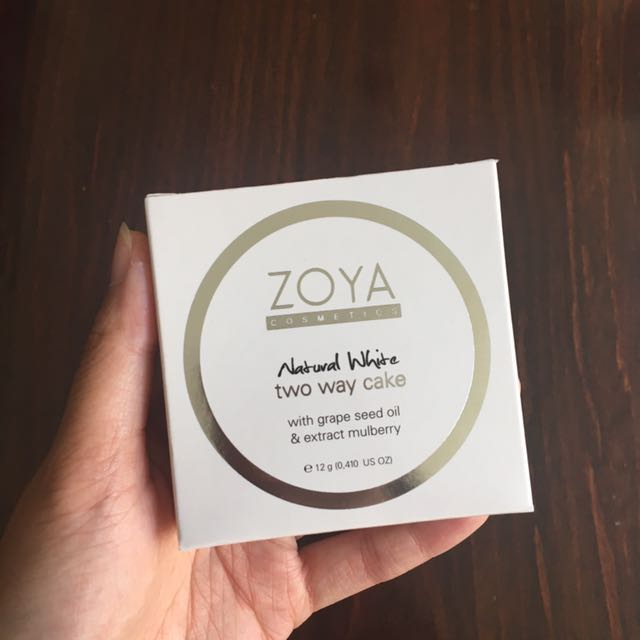 Zoya Cosmetics Natural White Two Way Cake