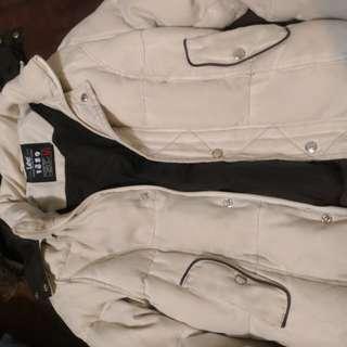 Lee 米色厚外套