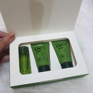 Innisfree Green Tea Moisture Spesial Kit