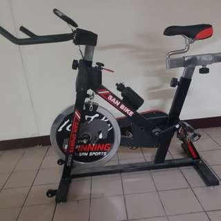 運動腳踏機
