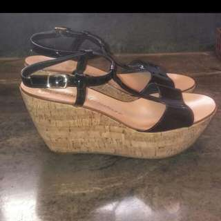 New Size 8 Patten Leather Juicy Couture Wedges