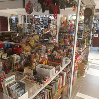 Collectables sale at 2 havelock rd,#03-27/28/29,Havelock II Retail mall S059763