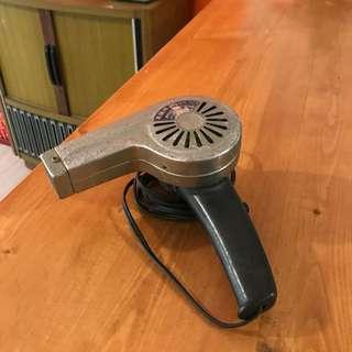「早期吹風機功能正常 」  早期 古董 復古 懷舊 稀少 有緣 大同寶寶 黑松 沙士 鐵件 40年 50年