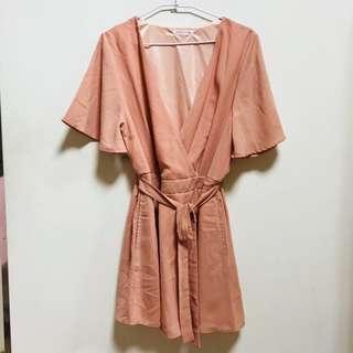 🚚 粉色綁帶洋裝🌸