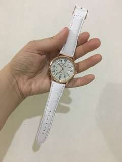 Preloved (almost New but w/flaw) loose lock on strap ROSEGOLD