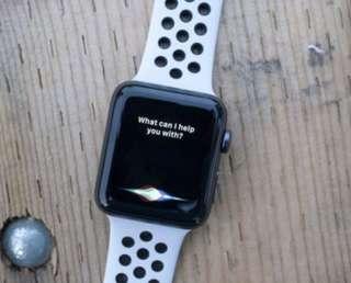 開盒試玩 Apple Watch Series 3 42mm