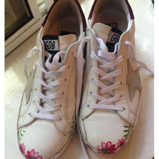 GOLDEN GOOSE DELUXE BRAND SNEAKERS Size 37 Worn Once Immaculate Authentic