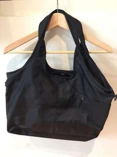 黑色尼龍耐用包