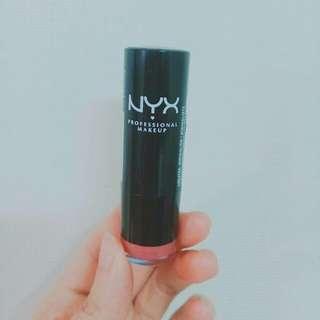 nyx 濃醇經典唇膏