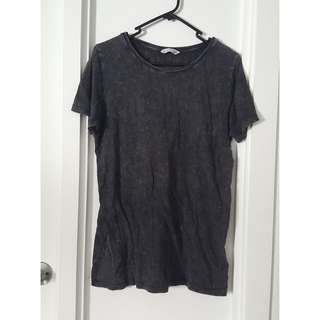 Acid wash dark grey tee