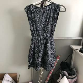 H&M patterned dress - size 2