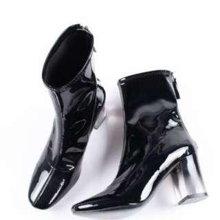 【黑店】歐美時尚漆皮亮面漸層粗跟方頭靴 英倫風個性粗跟短靴百搭個性漆皮短靴 封帆同款個性粗跟方頭靴  ins爆款時尚短靴