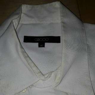 g2000 男裝 短袖襯衫 尺碼L 尺碼15.5 二手衣服都送洗 放久了白色易泛黃🔎買賣場裡g2000衣服免費這件送您⚠建議買家送洗,請洗衣店幫您清潔⚠