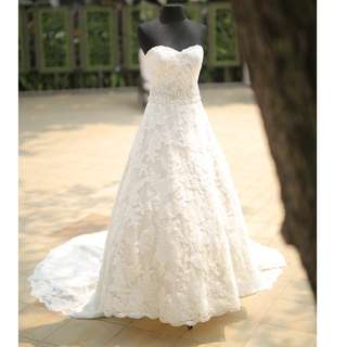 Justin Alexander Lace Cathedral Train Wedding Dress