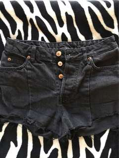 Black Highwaist Short
