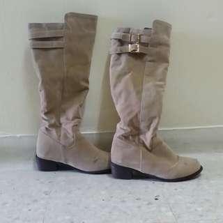 Women Winter Boots *preloved*