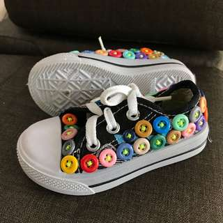 Colorful buttons shoes