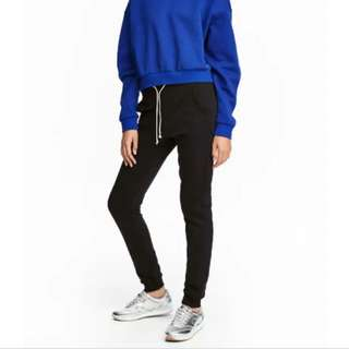 LOOKING FOR H&M BLACK SWEATPANTS