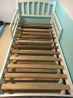 Single Pull out bedframe