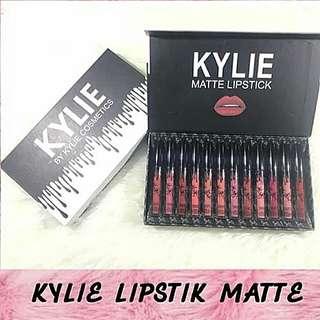 Kylie Matte Lipsrick Cream
