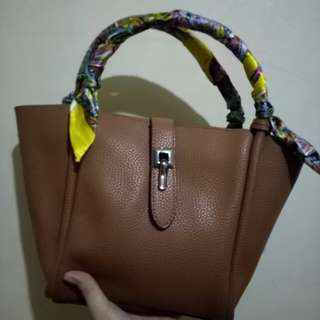 Jovanni Sling Bag