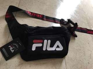 D-Antidote X FILA sling bag SEOUL LONDON (Black, red)
