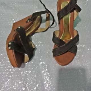 Sepatu wesges 7cm