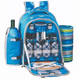 Picnic Set with utensils and insulated compartment