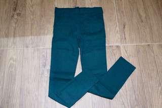 Celana hijau ijo army