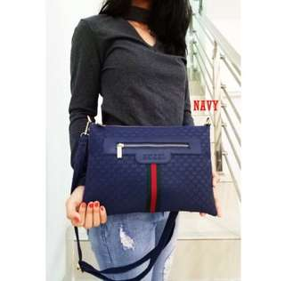 sling clutch gucci embossed [navy]