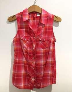 H&M checkered sleeveless polo
