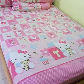 Set seprei hello kitty