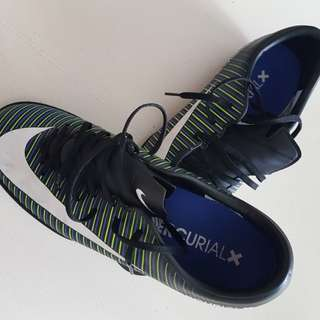 Nike Mecurial X US9.5 Soccer Shoes / Boots / Futsal