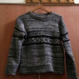 圓領灰色毛衣