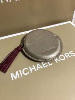 Michael kors金色圓形零錢包