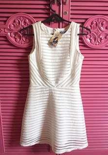 Classy white just g dress