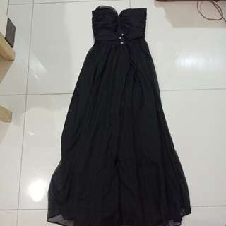 For rent: long gown