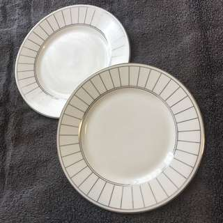 NEW Vera Wang Wedgewood 2 plates
